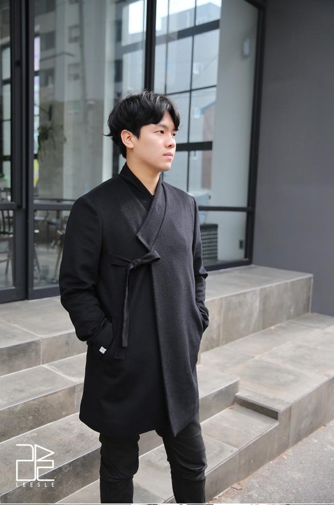 Men's hanbok (Leesle)