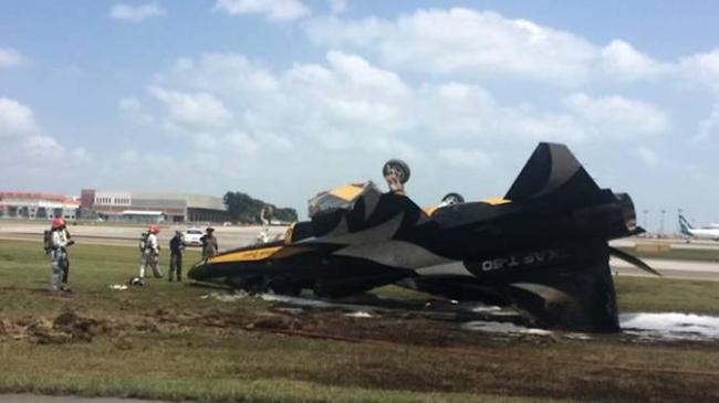Photo shows the Black Eagles plane from flight display team of South Korean Air Force burned after catching fire at Changi Airport in Singapore, on Tuesday. (Yonhap)