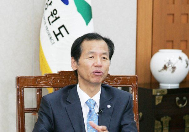 Gangwon Gov. Choi Moon-soon (Provincial Government of Gangwon Province)