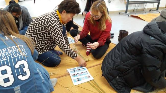 Guests learn traditional crafts at a Seollal event at the Yeoksam Global Village Center in Seoul. (YGVC)