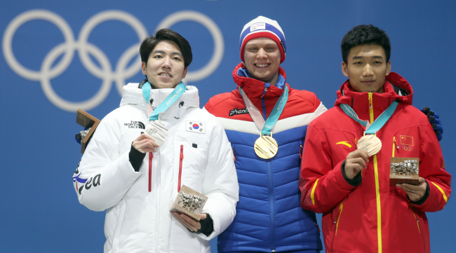 Silver medal to Cha Min-kyu of South Korea (left), Gold to Harvard Lorentzen of Norway and bronze for Gao Tingyu of China. (Yonhap)