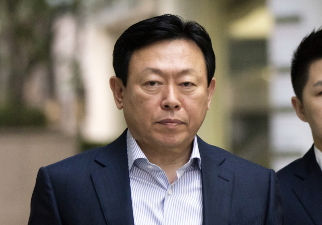 Jailed chairman of retail giant Lotte Group resigns