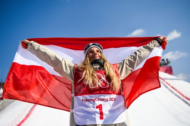 Austria's Anna Gasser celebrates after winning the final of the women's snowboard big air event at the Alpensia Ski Jumping Centre during the PyeongChang 2018 Winter Olympic Games on Thursday in PyeongChang. (AFP-Yonhap)