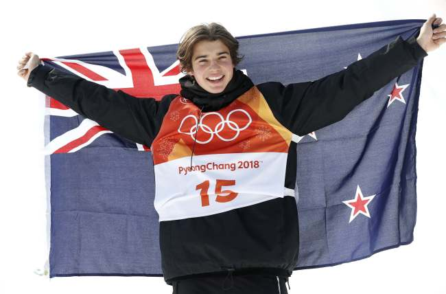 Bronze winner Nico Porteous, of New Zealand, celebrates after the men's halfpipe final at Phoenix Snow Park at the 2018 Winter Olympics in PyeongChang, Gangwon Province, Thursday. (AP-Yonhap)