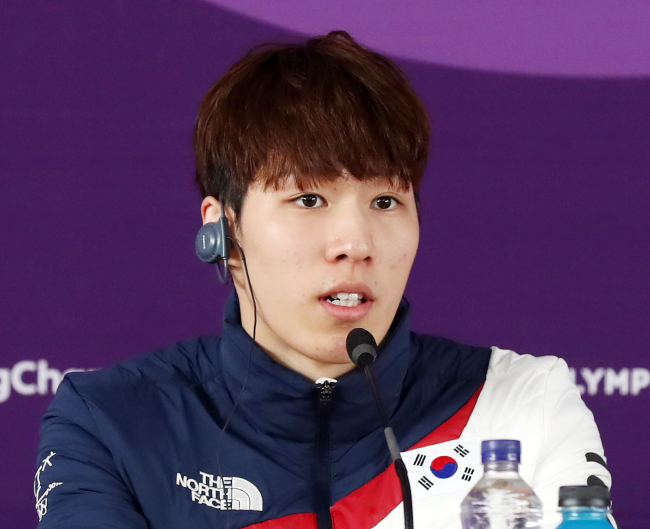 Hwang Dae-heon, silver medalist in the men's 500m short track speed skating.  (Yonhap)