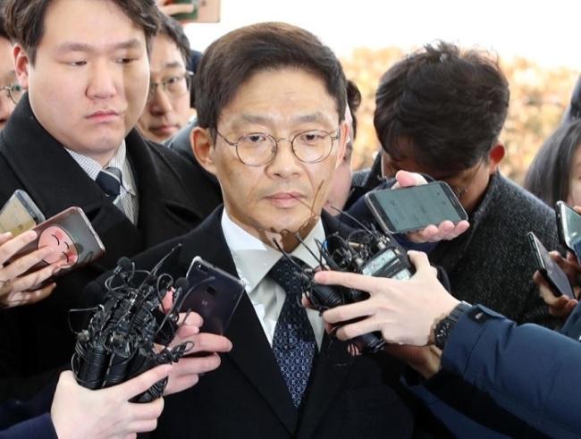 Ahn Tae-geun, a former senior prosecutor, appears at the Seoul Eastern District Prosecutors` Office on Feb. 26. (Yonhap)