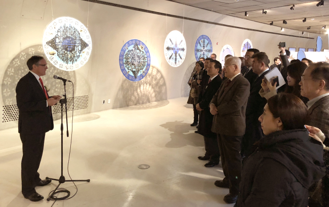 "Mexican Ambassador to Korea Bruno Figueroa (left) speaks at the opening ceremony of the exhibition ""Geographies, Contemporary Mexican Art in Korea"" at Dongdaemun Design Plaza in Seoul on Wednesday. (Mexican Embassy)"