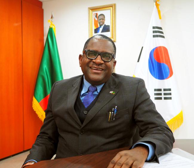 Zambian Ambassador to Korea Wylbur Simuusa (Joel Lee/The Korea Herald)