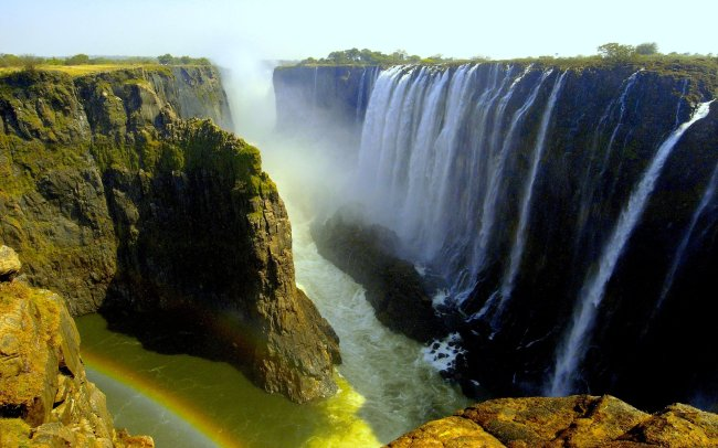 Victoria Falls in Zambia (Wall Devil)