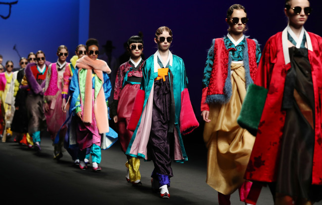 Models walk down the runway of hanbok opening show for the finale. (Seoul Design Foundation)