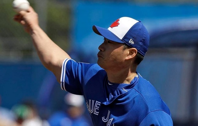 Seung-Hwan Oh made his spring debut with the Jays Wednesday. Oh had a 1.92 earned-run average over 79 2/3 innings for the St. Louis Cardinals in 2016, his first year in the league, then slipped to a 4.10 ERA over 59 1/3 innings last season. (AP)