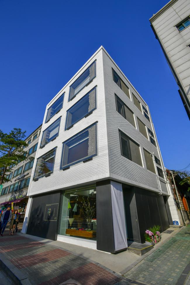 Yeol's new headquarters in Bukchon, Seoul (Yeol)
