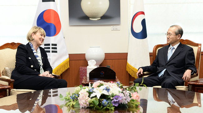 Helga Schmid, secretary general of the European External Action Service, talks with South Korea Vice Foreign Minister Lim Sung-nam at the Ministry of Foreign Affairs in Seoul on March 26. (MOFA)
