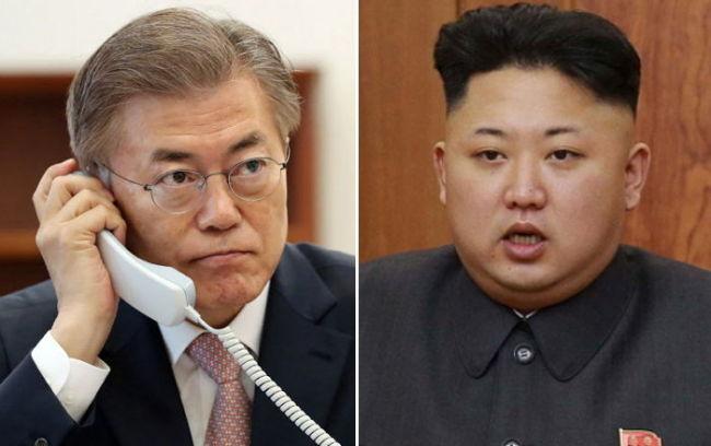 From left: South Korean President Moon Jae-in and North Korean leader Kim Jong-un (Yonhap)