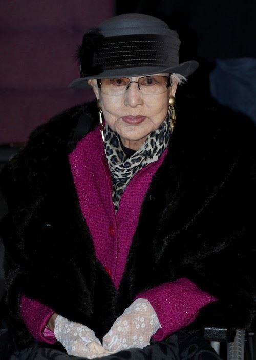 film icon choi eunhee dies at 92