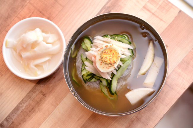 A typical bowl of naengmyeon (Park Hyun-koo/The Korea Herald)