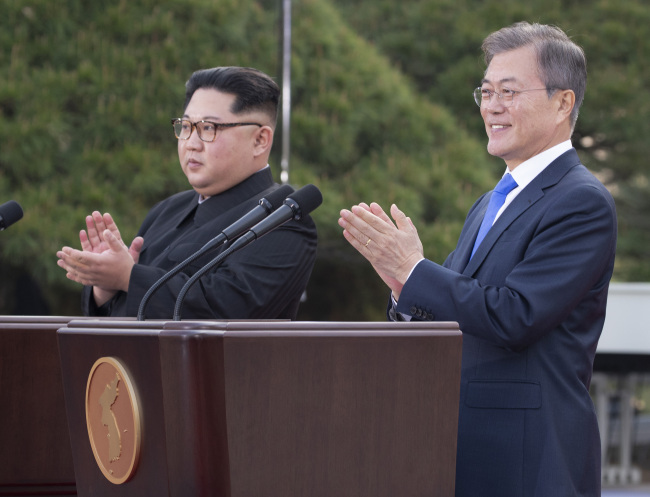 North Korea`s leader Kim Jong-un (left) and South Korea`s President Moon Jae-in (Cheong Wa Dae)