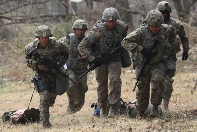 US soldiers conduct a joint training with South Korea's military. Yonhap