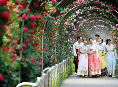 Seoul Rose Festival is slated to take place in Jungnang-gu from May 18 through 20. (Yonhap)