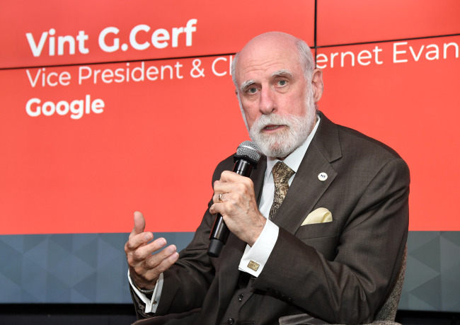 Vint Cerf, chief internet evangelist at Google, delivers a speech at Google Campus Seoul in Samseong-dong, Gangnam District, Tuesday. (Google Korea)