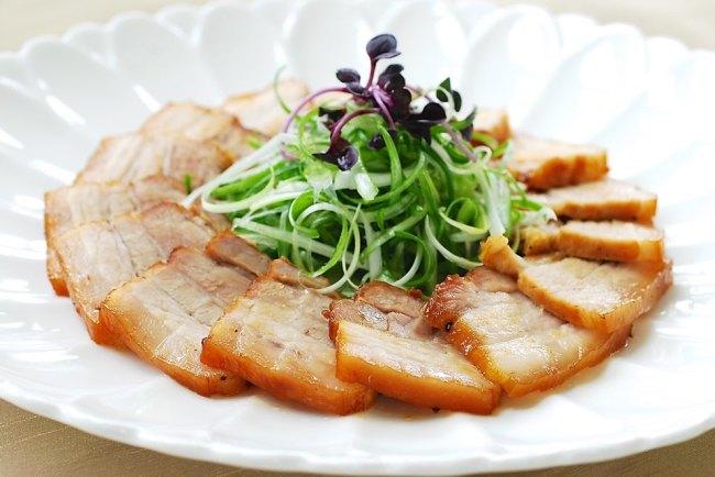 Slow cooker pork belly (Korean Bapsang)