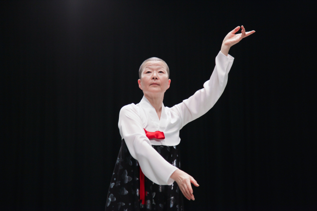 "Korean contemporary dancer Ahn Eun-me rehearses ""North Korea Dance by Eun-me Ahn"" at the Korea National University of Arts on May 14. (Korean Traditional Performing Arts Foundation)"