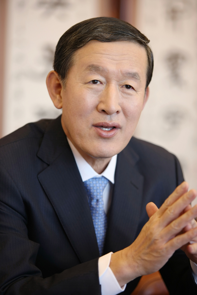 Huh Chang-soo, chairman of GS Group