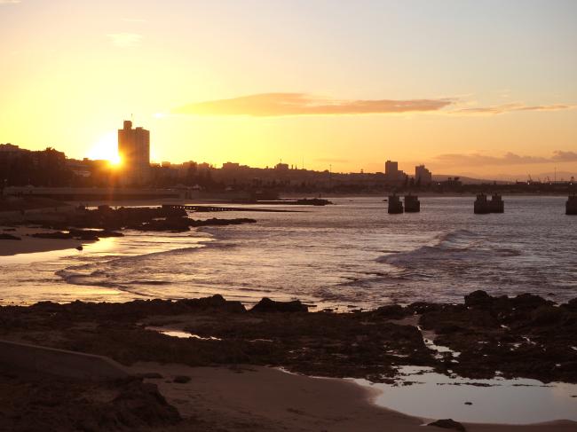 Port Elizabeth, South Africa, at sunset (Joel Lee/The Korea Herald)