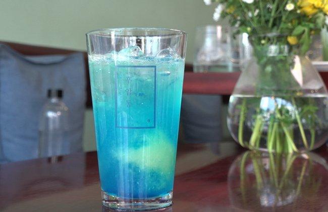 Blue lemonade (Rumy Doo/The Korea Herald)