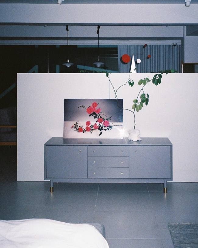 Koreans are increasingly seeking colorful statement pieces for their homes. (WIE EIN KINO)