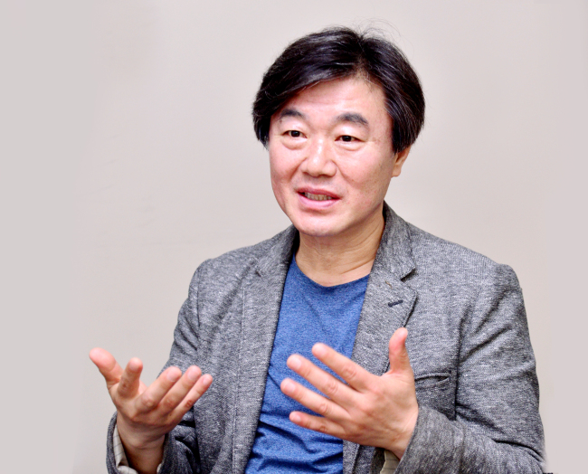 Kim Ki-tae, professor of digital contents creation at Semyung University and chairman of the Korea Digital Publishing Society. (Park Hyun-koo/The Korea Herald)