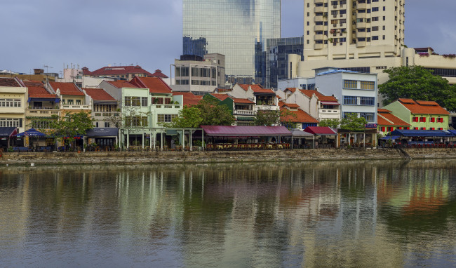 Buildings in Boat Quay along the Singapore River (Singapore Tourism Board)