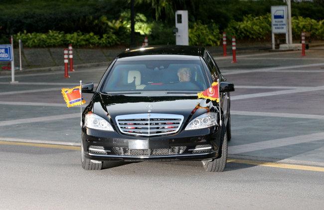 Chauffeur of Kim Jong-un's Mercedes Benz visible in this shot. (Reuters-Yonhap)