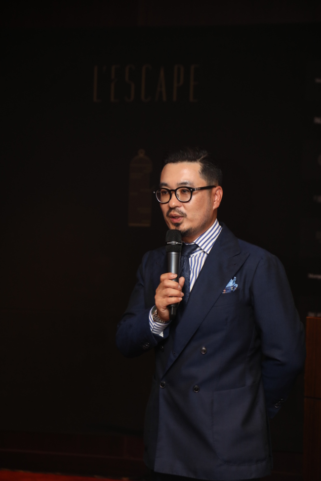 General Manager Kim Bum-soo speaks at a press conference held Tuesday at L'Escape hotel (L'Escape)