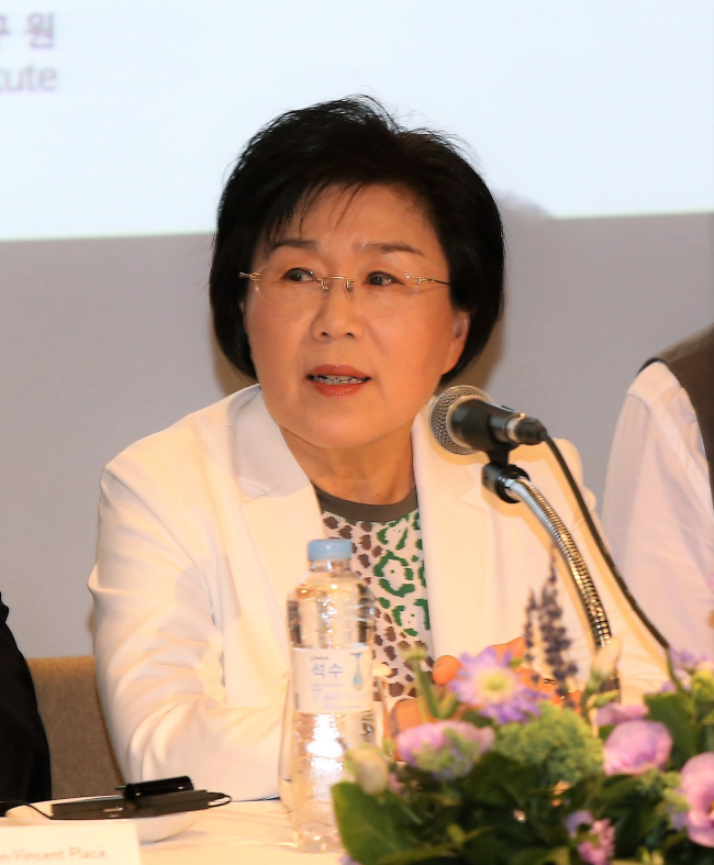 Choi Jung-wha is the president of the Corea Image Communication Institute and a professor of interpretation and translation at Hankuk University of Foreign Studies in Seoul. (CICI)