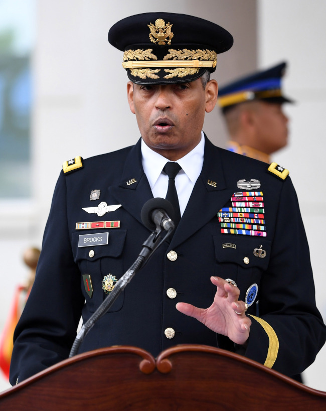 Gen. Vincent Brooks, commander of the US Forces Korea, addresses the opening ceremony of the new USFK headquarters in Pyeongtaek, south of Seoul, on June 29, in this Joint Press Corps photo. (Yonhap)
