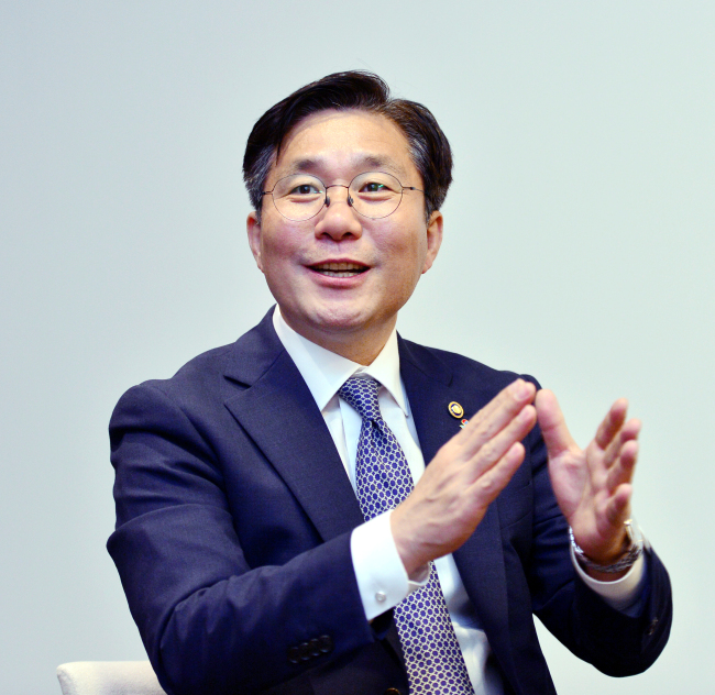 Korean Intellectual Property Office Commissioner Sung Yun-mo. (Park Hyun-koo/The Korea Herald)