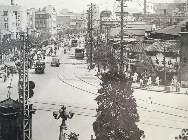 A photo of Euljiro taken in the 1920s when it was knwon by the Japanese name of Gokanemachi. (Euljiro-dong Community Center)