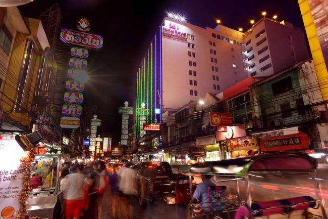 Chinatown in Bangkok, Thailand (Tripbtoz)