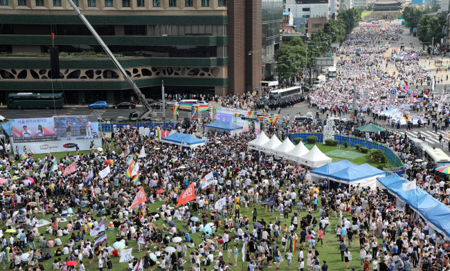 An anti-gay rally is being held outside the Seoul City Square where the annual Seoul Queer Culture Festival is taking place. (Yonhap)