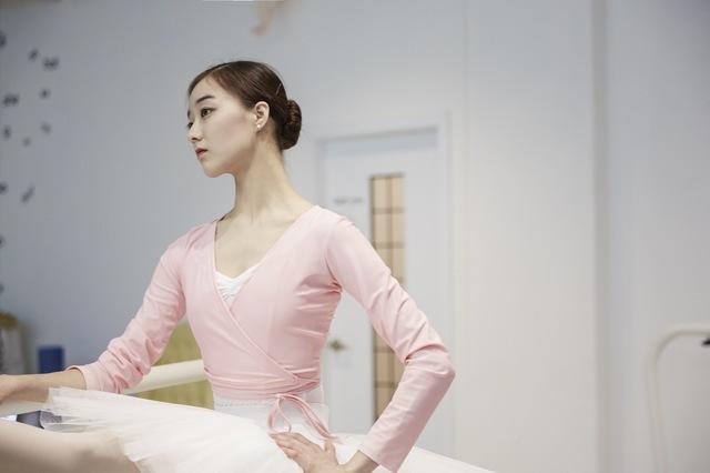Kang Ho-hyun, a ballerina at the Paris Opera Ballet(Photo by Kim Yoon-sik/Czech National Ballet)