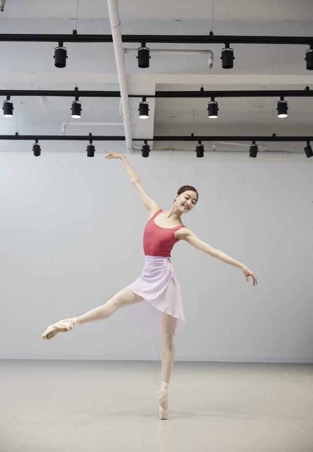 Kang Ho-hyun, a ballerina at the Paris Opera Ballet (Photo by Kim Yoon-sik/Czech National Ballet)