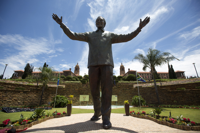 A Nelson Mandela statue in Pretoria, South Africa (South African Tourism)