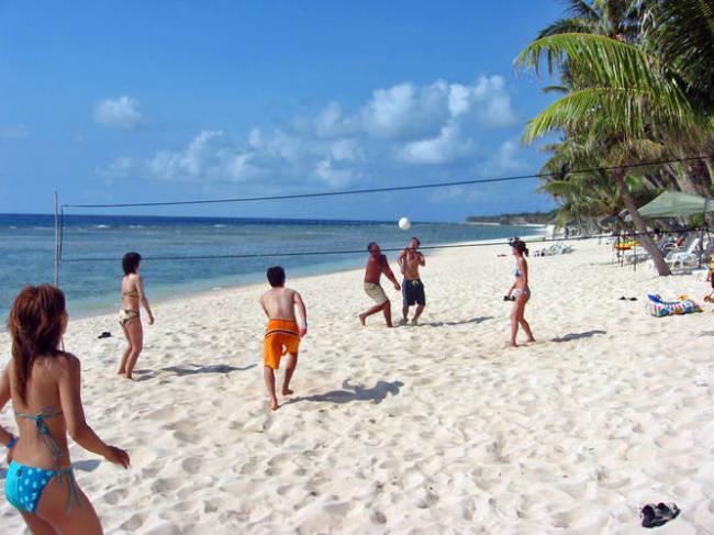 Gun Beach (Guam Tourism Board)