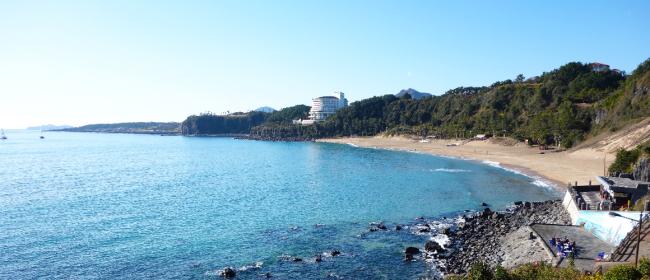 Jungmun Beach on Jeju (Jeju Tourism Organization)