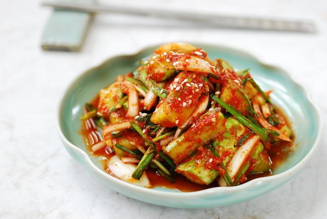 Oi buchu kimchi (Korean Bapsang)