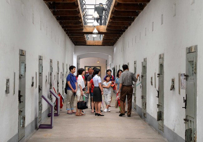 An inner corridor of a prison building (Park Hyun-koo/The Korea Herald)