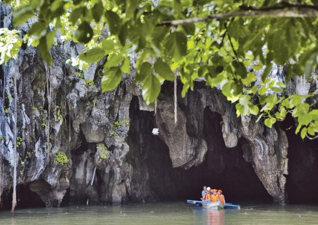 picture of an underground cave in Palawan, Philippines (Philippine Tourism)