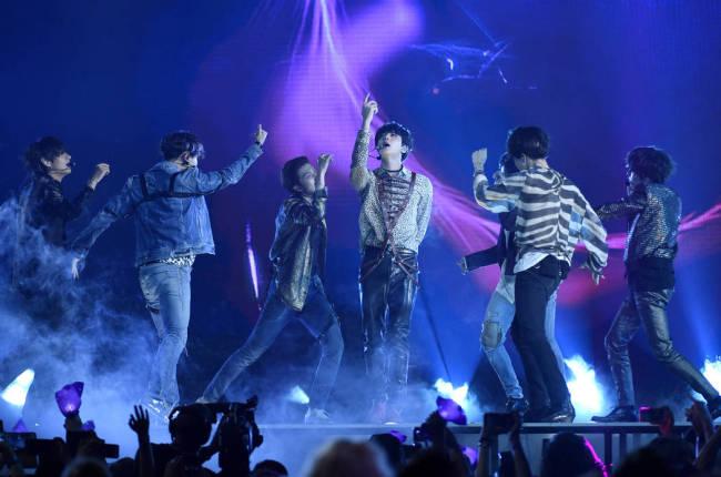 "BTS performs ""Fake Love"" at the Billboard Music Awards on May 20, 2018, in Las Vegas. (AP-Yonhap)"