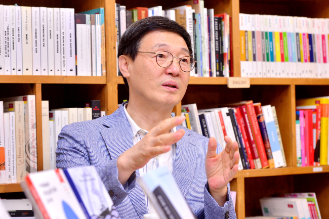 Kim Sa-in, president of the Literature Translation Institute of Korea, speaks during an interview with The Korea Herald on Tuesday in Seoul. (By Park Hyun-koo / The Korea Herald)